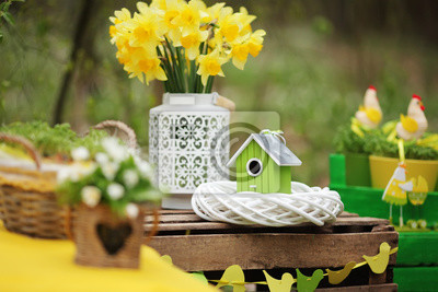 Fototapeta Wielkanoc dekoracji w ogrodzie. Niedziela Wielkanocna. Miękkie Fokus