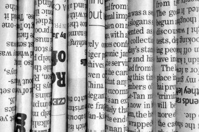 Fototapeta Wiersz gazety w czerni i bieli