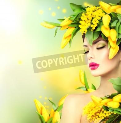 Fototapeta Wiosna kobieta. Piękna dziewczyna model wiosny z kwiatami stylu włosów