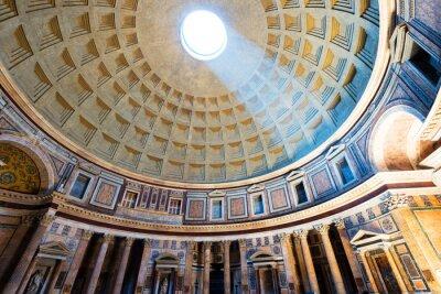 Fototapeta Wnętrze rzymskiego Panteonu ze słynnym promień światła