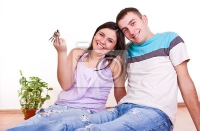 Fototapeta wnioskach keys pary młodych w nowym mieszkaniu