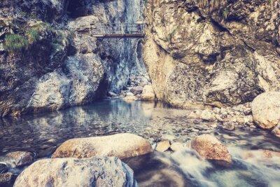 Fototapeta Wodospad w Alpach, Austria - zabytkowe efekt.