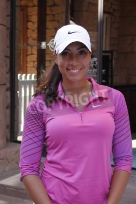 Fototapeta WOODS, Cheyenne - 17 LISTOPADA: Profesjonalny gracz gra w Gary Player Charytatywny Turniej Golfowy Invitational tee-off przed 17 listopada 2013, Sun City, RPA. Cheyenne Woods jest siostrzenicą Tiger W