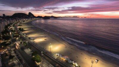 Fototapeta Wschód słońca na plaży Copacabana w Rio de Janeiro
