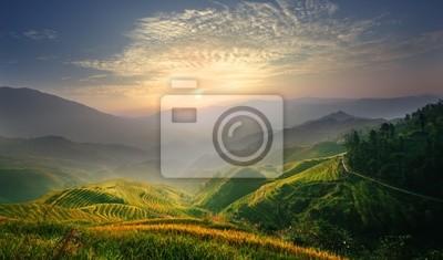 Fototapeta Wschód słońca na tarasie w Guangxi Chin