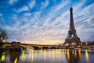 Fototapeta Wschód słońca na wieży Eiffla, Paryż