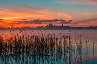 Fototapeta Wschód słońca nad Jeziorem Wigry, Pojezierze Mazurskie