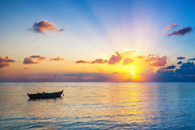 Fototapeta Wschód słońca nad oceanem