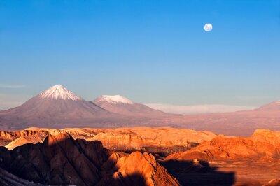 Fototapeta Wulkany Licancabur i Juriques, Moon Valley, Atacama, Chile