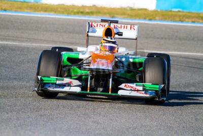 Fototapeta Jerez de la Frontera, Hiszpania - 10 lutego: Nico Hülkenberg z Force India wyścigi F1 na szkolenie w dniu 10 lutego 2012 w Jerez de la Frontera, Hiszpania