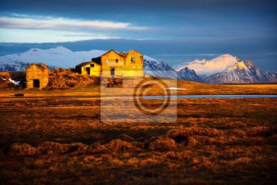 Zachód słońca, góry, Islandia