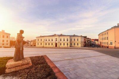 Fototapeta Zachód słońca na placu Marii Panny w Kielcach