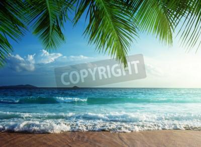 Fototapeta Zachód słońca na plaży na Seszelach