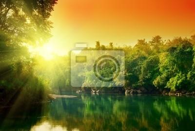 Fototapeta Zachód słońca w dżungli Tajlandii