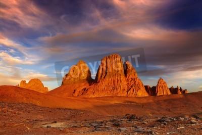 Fototapeta Zachód słońca w Saharze, górach Hoggar, Algieria