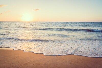 Fototapeta Zachód słońca z morza i plaży