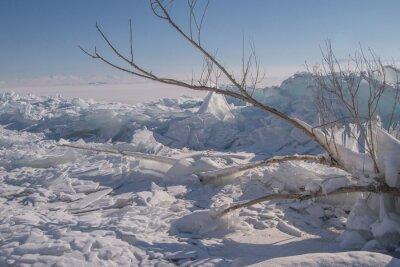 Zamarznięte jezioro,. Armenia Sevan.