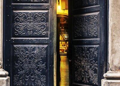 Fototapeta Zapraszając otwarte drzwi