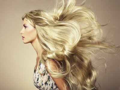 Fototapeta Zdjęcie piękne kobiety z wspaniałe włosy