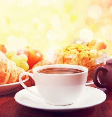 Fototapeta zdrowe śniadanie z kawą w słoneczny poranek