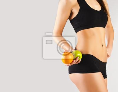 Zdrowy styl życia. Kobieta gospodarstwa owoców