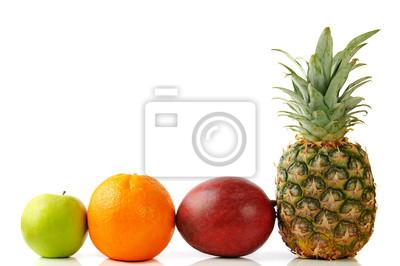 zielone jabłko pomarańcza, ananas i mango