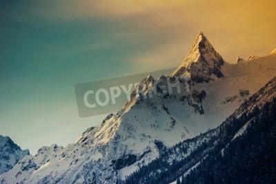 Fototapeta Zima w górach panorama z tras narciarskich. Kaukaz