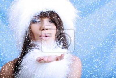 Fototapeta Zimowe Dziewczyna z płatków śniegu, niebieskie tło