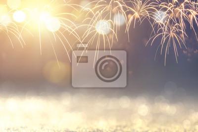 Fototapeta Złoto i zieleń Vintage Fajerwerki i bokeh w przeddzień nowego roku i przestrzeni kopii. Wakacje w tle streszczenie.