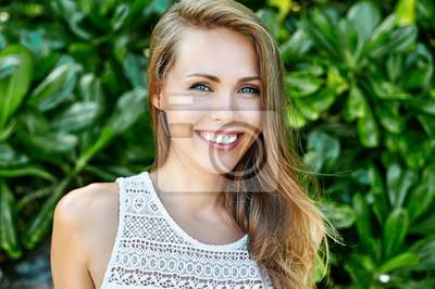 Naklejka Amazing beautiful woman with perfect smile - close up