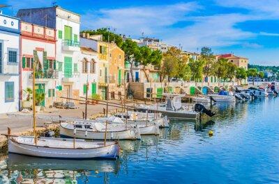 Naklejka Anblick Hafen Idylle Łodzie Häuser Mediterran