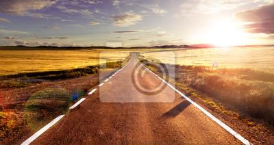 Naklejka Aventuras y viajes por carretera.Carretera y Campos