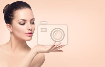 Naklejka Beauty spa kobieta z doskonałej skóry