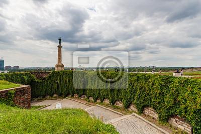 Belgrad i twierdza Kalemegdan park z pomnikiem Wiktora