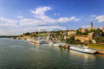 Belgrad od rzeki Sawy z łódki turystycznych