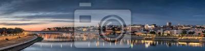 Naklejka Belgrad, Stare Miasto, Katedra, Most Branco Sava Rzeka o zmierzchu, City Lights Water Reflections