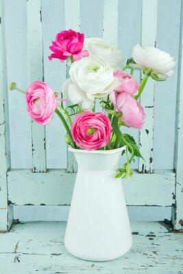 Naklejka Białe i różowe kwiaty ranunculus