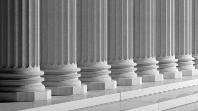 Naklejka Białe marmurowe filary starożytnych z rzędu
