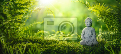 Naklejka Buddha statu w naturalnym tle