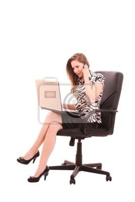 Naklejka businesswoman w fotelu z laptopem na białym tle