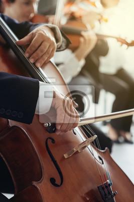 Cello ręce gracza bliska
