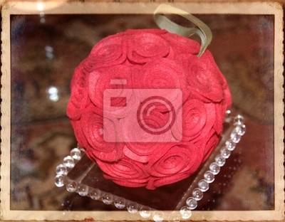 Christmas ball z róż, ręcznie haftowane