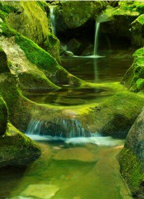 Creek i kaskady