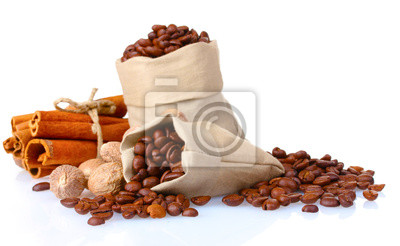 Naklejka cynamonu, kawy i gałki muszkatołowej na białym