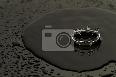 Naklejka czarna kropla