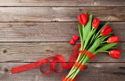 Naklejka Czerwone tulipany i serca cukierki