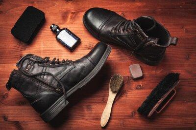 Naklejka czyszczenie butów męskich