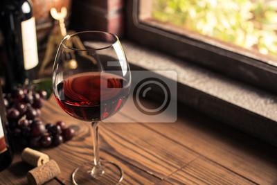 Degustacja pysznych win w piwnicy
