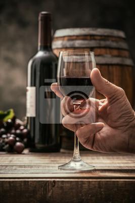 Degustacja win w piwnicy