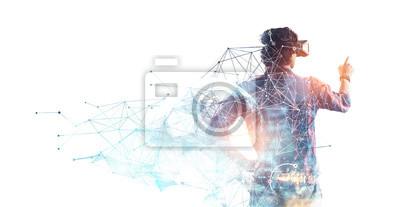 Naklejka Doświadczanie wirtualnego świata technologii. Różne środki przekazu